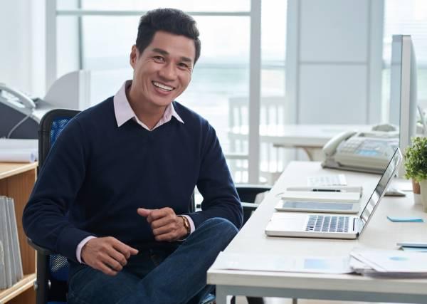 successful-handsome-executive-businessman